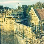 Když se nadšení změní ve firmu: Stavba středověkého hradu
